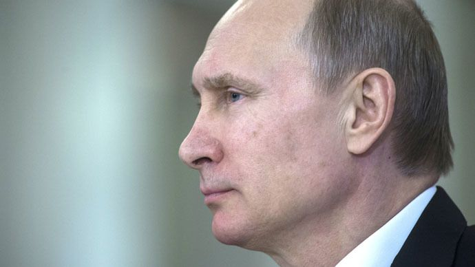 The decision to give Crimea an opportunity to choose if it wants to be a part of Russia again was made after an unofficial survey showed the majority of Crimeans would back reunification, Vladimir Putin revealed in an interview to a Russian TV channel.
