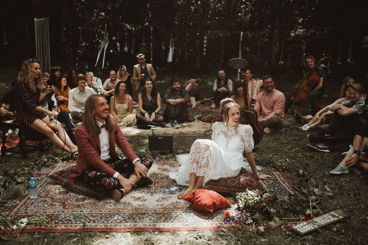 We are all about this boho lakeside wedding in the Netherlands | Image by Martijn Roos