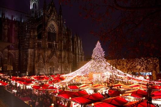 #Weihnachtsmarkt am Kölner Dom / Christmas market at the #Cologne Cathedral