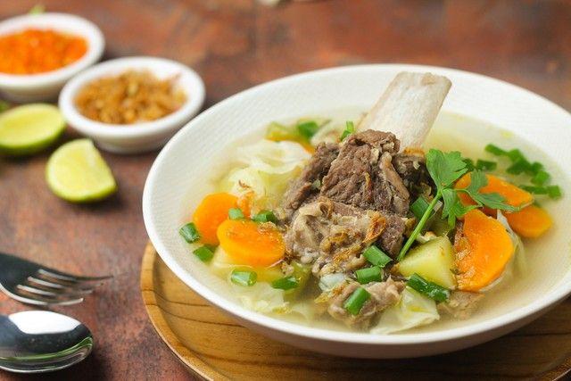 Resep Sop Iga Sapi Bening Khas Betawi Yang Gurih Enak Resep Di 2021 Resep Nutrisi Sayuran