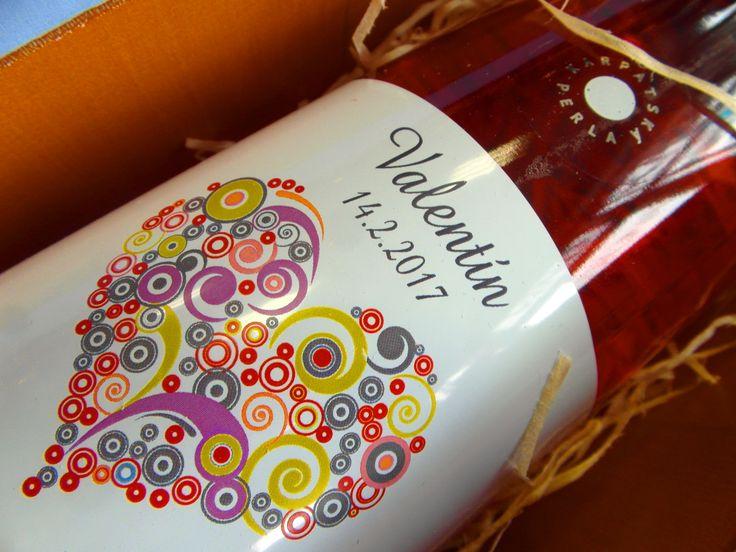 http://www.vinopredaj.sk/darcekovy-set-valentin-ruzove-vino-pralinky-v-obale-rucne-vyrobene