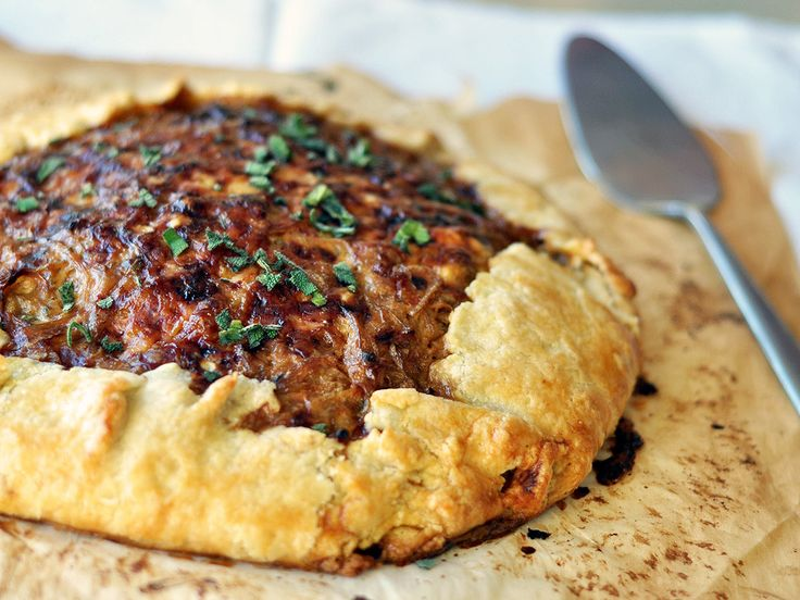 Medieval Food: Rustic potato and caramelized onion tart