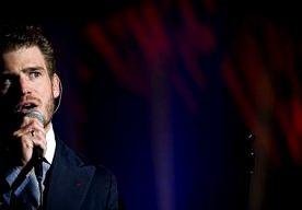 11-Apr-2013 15:17 - TIM AKKERMAN WEER VADER GEWORDEN. Tim Akkerman is opnieuw vader geworden. Zijn vrouw Stephanie is bevallen van een jongen, bevestigt de woordvoerder van de musical The Buddy Holly…...