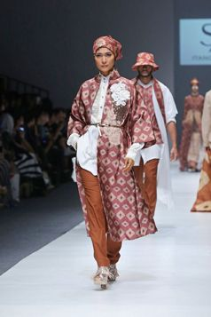 Long Outer Jacket - Jakarta Fashion Week 2016 | Itang Yunasz S/S 2016 #Kalimantan www.itangsz.com