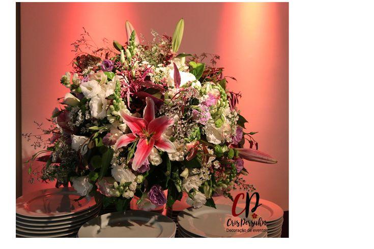 Arranjo para mesa do buffet #casamento #buffet #style #art #festa #lirio