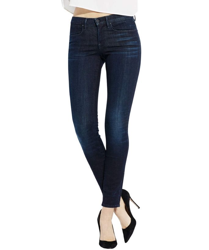 We searched the market and asked the experts, here are the best jeans for tall women.