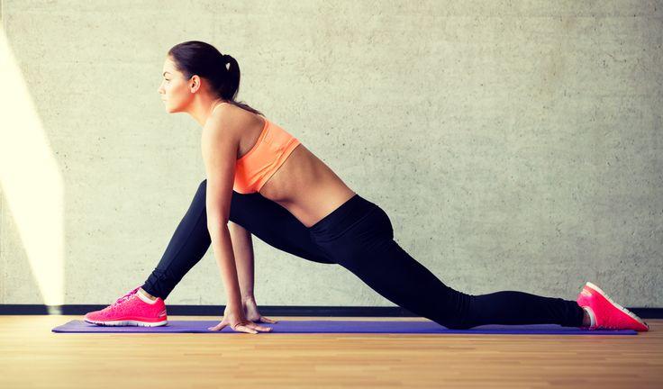 Avere glutei alti e sodi è il traguardo di molti in vista dell'estate. Spesso, però, vengono allenati con esercizi inadeguati, che non permettono di ottenere i risultati sperati. Gli esperti consigliano tre tipologie: squat, affondi e ponte a terra, almeno tre volte a settimana. Li avete mai provati? #fitness #squat #affondi www.vanesia.it