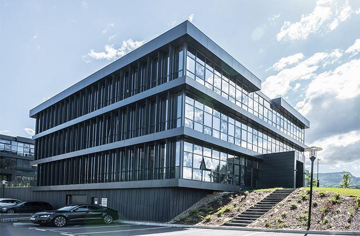 Business Corner (73). Architecte : Studio Arch (73), Entreprises : Covermétal (73), Alpal (74), Photo : Véronique d'Errico. Solutions WICONA utilisées : Façades MECANO VEC Droits Réservés WICONA