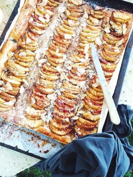 Plaattaart met appel, kaneel & amandelen - made by ellen #recept #plaattaart