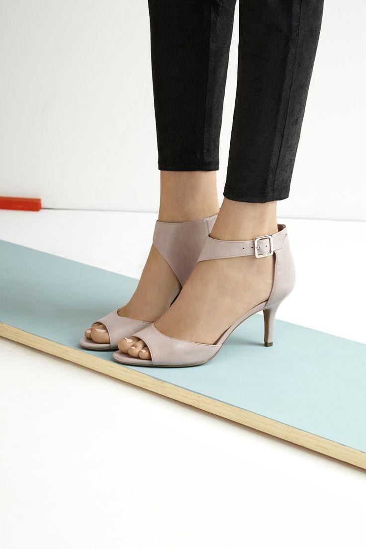 Sadly I'm growing to love shorter heels... UGH #maturelife LOL!