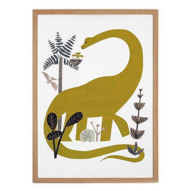 Dinosaur Poster vom amerikanischen Illustrator Christian Robinson.• Größe: 50 x 70cm• 4/0-farbig• Material: 250g/m² Offsetpapier• gerollter Versand im Folienschlauch• wird ohne Rahmen verschickt