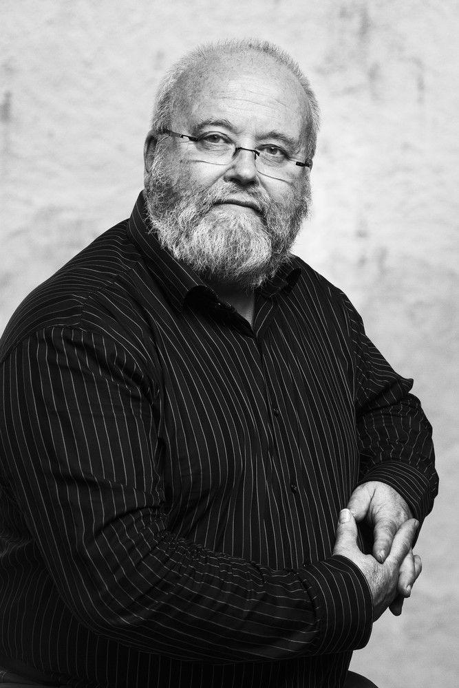 Portrait of Kjell Engman, designer with Kosta Boda