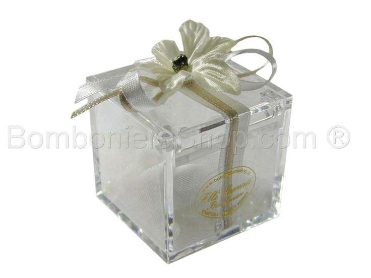 Cubo plexiglass confezionato con fiore e raso