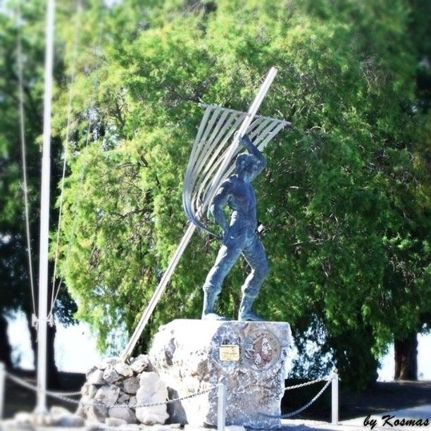 The Monument to the Unknown Sailor at Kalamata Port, Messinia, July 2010.  #seaview #Greece #sailor #sea #nature #ilovesea #blue #summer #summervacations  #Unknownsailor #Kalamata