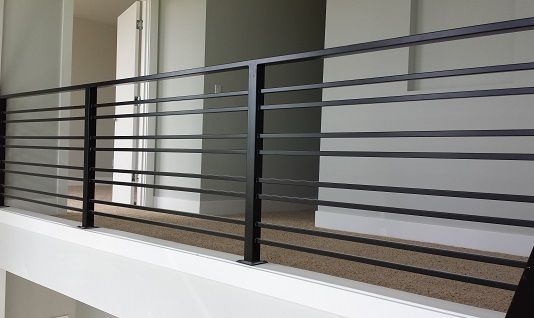 Simple Railing - between tasting & equipment   Balcony ...