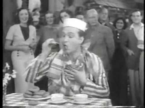 PopCulture: #RedSkelton <3 Dunkn Donuts, Watch the short sketch that made him famous.