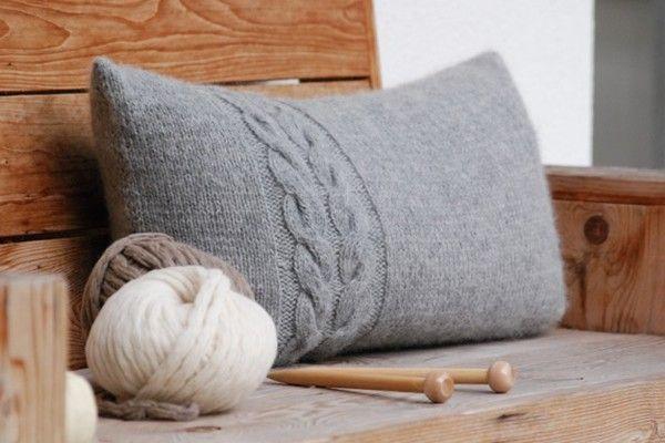 Kissen selbst stricken – Hüttenzauber für den Herbst und Winter