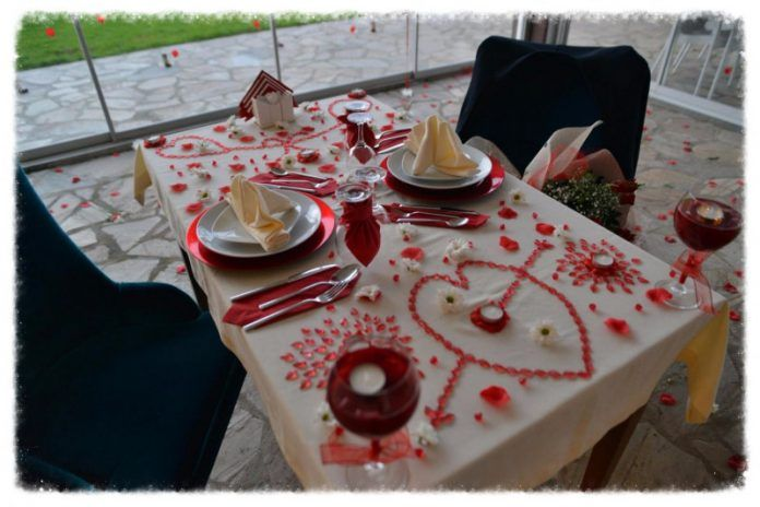 Evlilik Yıldönümü Masası Nasıl Hazırlanır? En Romantik Öneriler