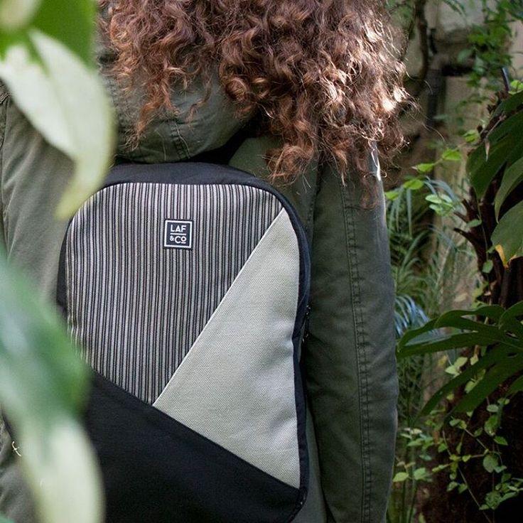 Olyvia  #olyvia #backpacks #unisex #grey #stripes #mochilas #gris #rayas #urban #lafandco