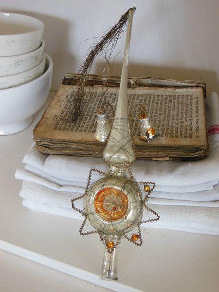 Antike Christbaumspitze Boullion Draht 2 Glöckchen von Petite Maison auf DaWanda.com