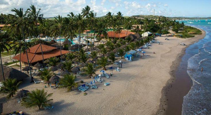 Este resort em Maragogi, Alagoas, fica à beira- mar. A propriedade dispõe de academia e 2 piscinas.
