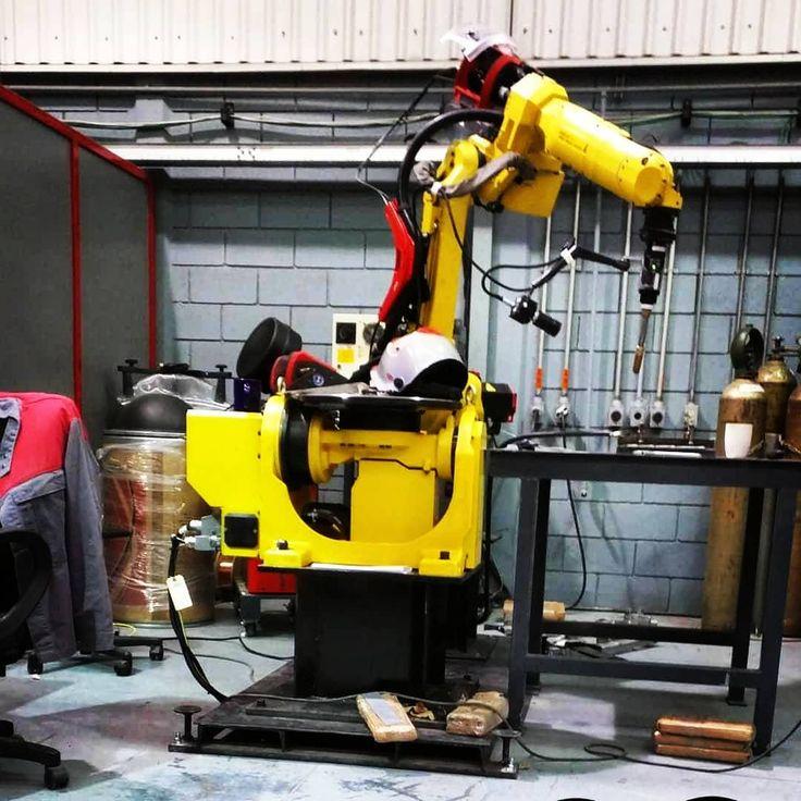 #fanuc #robotics #engineer #engineering #mexico #welding #fronius