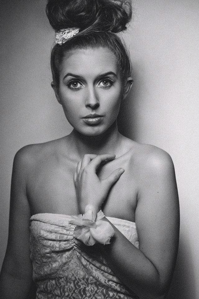 Photo: Robert drobek Model: Sara bjerg  Mua: Mia Stenild