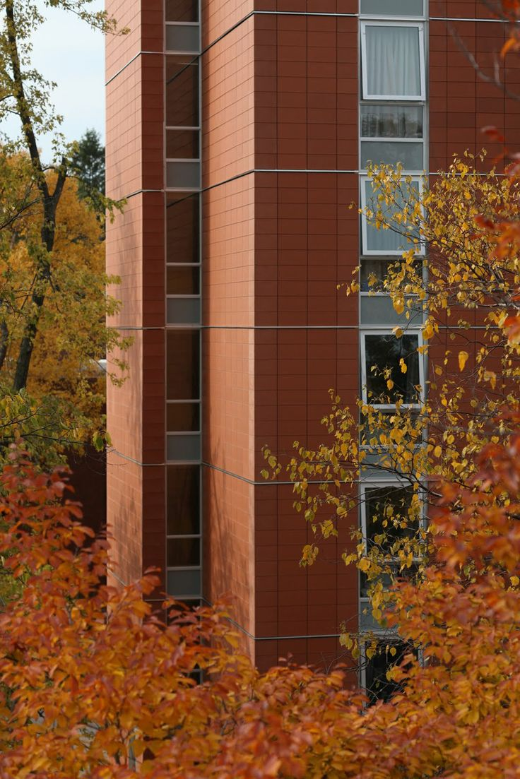 Project: University of Guelph - Addington Residence Location: Guelph, ON Product: Tonality Architect: Larkin Architect