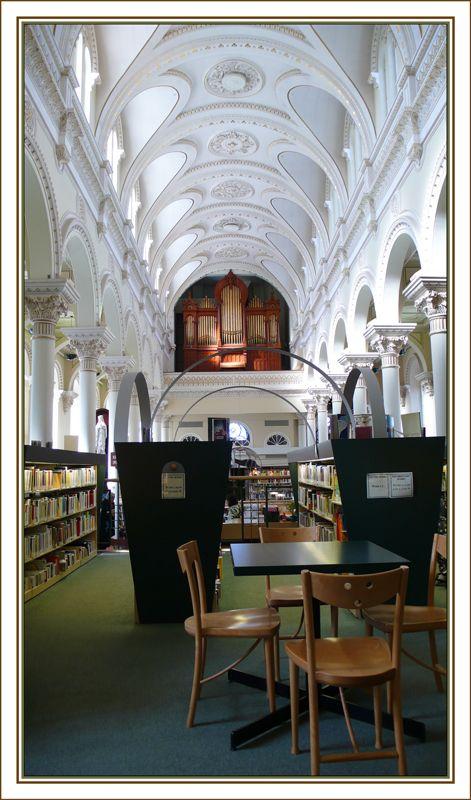 Pierre-Georges Roy Library, Levis, Quebec, Canada Copyright: Diane Vaillancourt