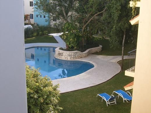 This is a great opportunity!!! A 3 bed / 2 bathroom penthouse in Playacar is now available for resale. 2 bedroom units in the same building have been sold for more. On the rooftop terrace you have absolute privacy and a nice jacuzzi.The unit comes unfurnished