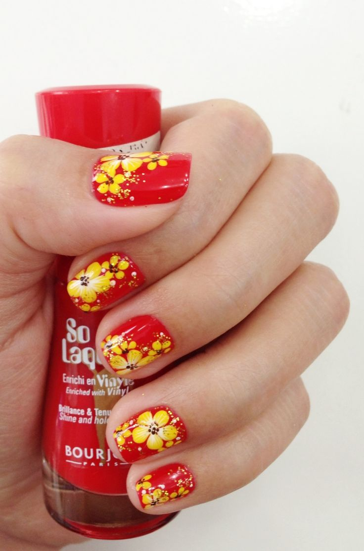 Traditional Vietnamese Nail Art for Tet holiday (Chinese New Year)