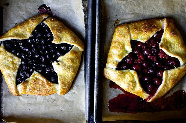 blue and red berry ricotta galettes | smittenkitchen.com (star template included)