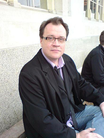 Stephen Russell Davies Net Worth