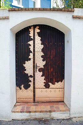 Paris: Parisians Doors, French Doors, Metals Overlays, Paris France, Front Doors, Beautiful Doors, Decor Doors, Wooden Doors, Wood Doors