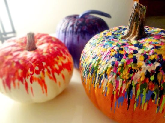 melted crayon pumpkinPumpkin Ideas, Pumpkin Crafts, Halloween Crafts, Melted Crayons, Pumpkin Decor, Crayons Art, Carvings Pumpkin, Crayons Melted, Crayons Pumpkin