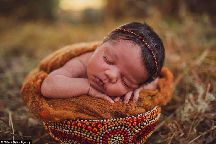 Heartwarming photographs have emerged of Aboriginal newbornsin a harmonious environment t...