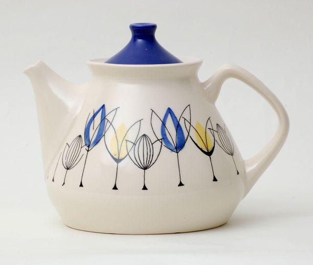 Stavangerflint (Norway) 'Tulipan' Teapot designed by Inger Waage