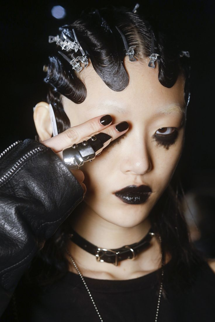 Marc Jacobs Fall 2016 Ready-to-Wear Fashion Show Beauty