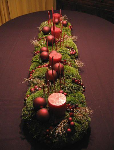 eindrucksvolles Adventsgesteck - große Tischdekoration für die Festtafel