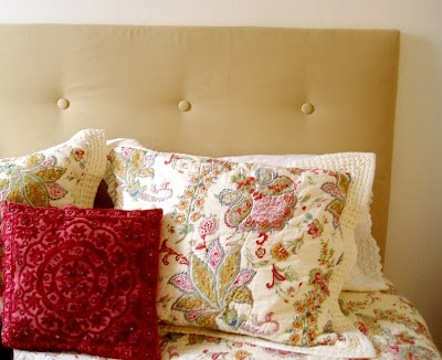 DIY Upholstered Headboard: Diy Upholstered, Swelling Life, Crafts Ideas, Diy Headboards, Master Bedrooms, Headboards Tutorials, Upholstered Headboards, Guest Rooms, Bedrooms Ideas