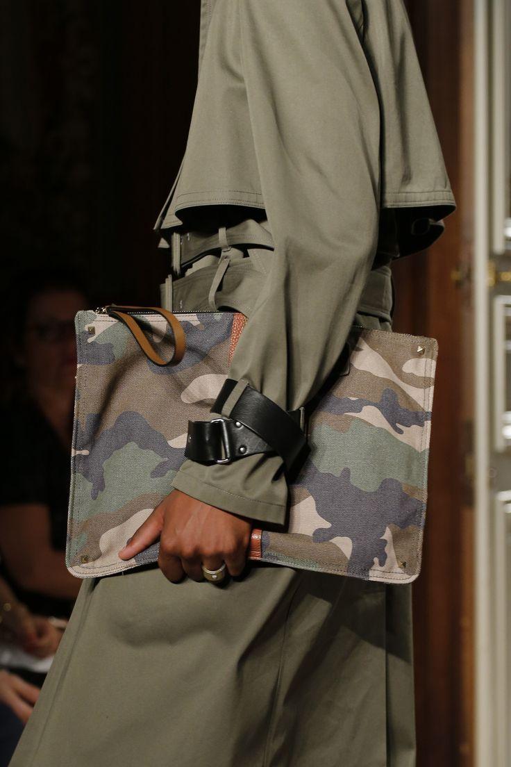 Valentino Spring 2017 Menswear Accessories Photos - Vogue