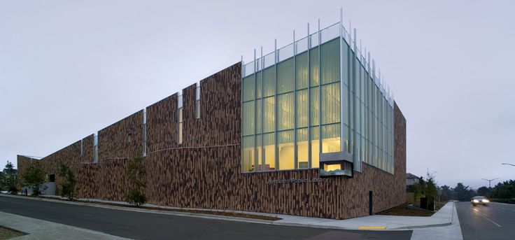 Vertical Brick Applications: Hercules Public Library / will bruder+PARTNERS. Photograph by Bill Timmerman