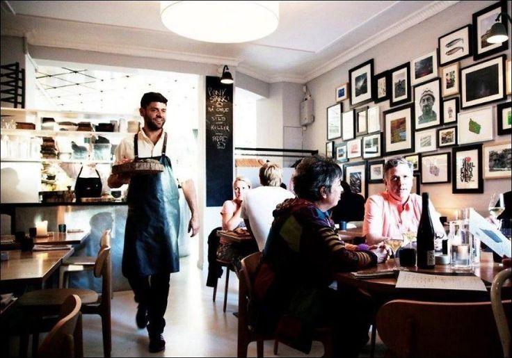 HOTTEST I BYEN: Gourmet-restauranten Kadeau i Vesterbro serverer bornholmske spesialiteter, og er på rekordtid blitt ett av byens hotteste spisesteder. Matanmelderne går amok, og spisegjestene har stemt fram Kadeau som byens beste i år. Foto: Wonderful Copenhagen