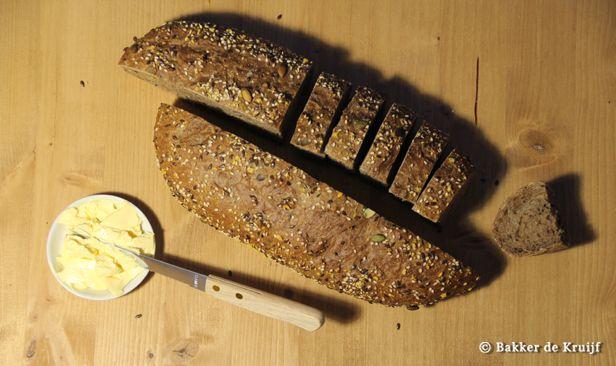 Desem Donker Rustiek. Brood bereid biologische desem. Puur natuur.