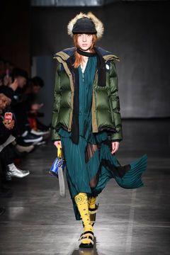 サカイ × ザ・ノース・フェイス、ボリュームあるシルエットの高性能ロングコートやボンバージャケットの写真18