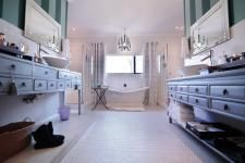Stunning bathroom in an Exclusive property on MyRoof.co.za