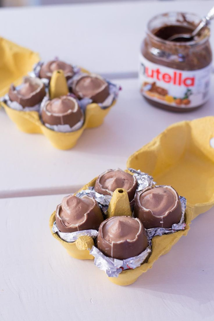 nutellamoussella täytetyt kinderit - Chocolate eggs stuffed with Nutella mousse