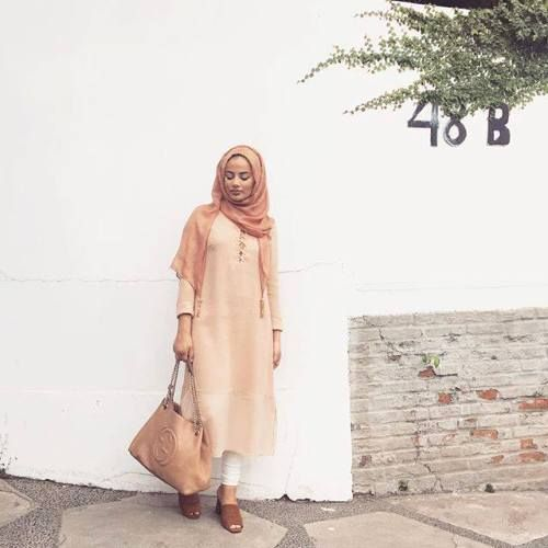 long pastel neutral hijab- Cute hijab for teens http://www.justtrendygirls.com/cute-hijab-for-teens/