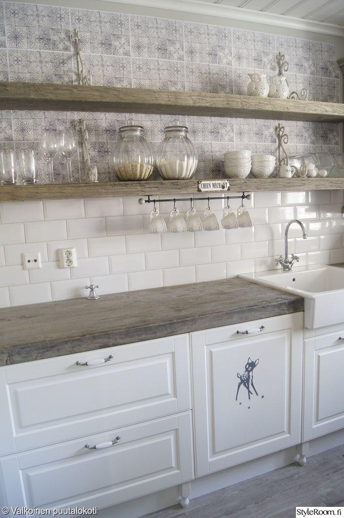 keittiön säilytys,keittiö,keittiön työtaso,laatikosto,hylly,säilytyspurkkeja,säilytyspurkit