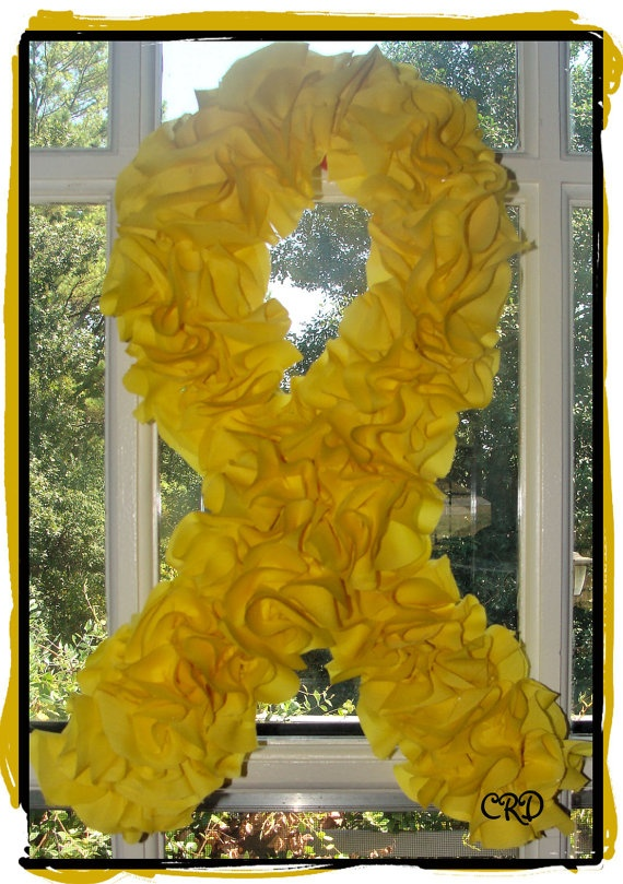 Yellow Ribbon Deployment Wreath, definitely making one of these!
